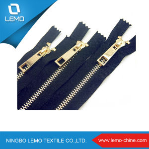 European 4# Brass Metal Zipper for Shoes pictures & photos