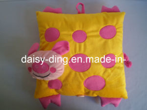 Plush Beautiful Pig Pillow with Animals Shape pictures & photos