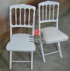 Foldable Wedding Tiffany Chair with Cushion in Different Color pictures & photos