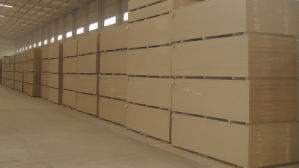 Supply Plain/Raw MDF/HDF Board 1220*2440mm pictures & photos
