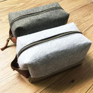 Custom New Design Canvas Dopp Kit with Leather Hanging Wholesale