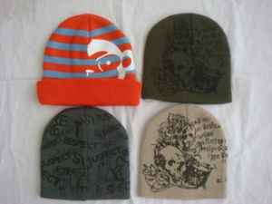 4 Panel Unisex Acrylic Knitted Beanie Hat pictures & photos