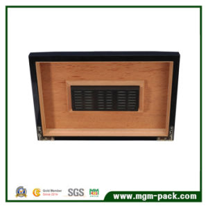 Hot Stamping Humidifier Handmade Wooden Cigar Box pictures & photos