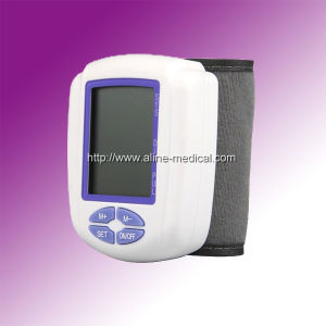 CE/ISO Wrist Digital Blood Pressure Monitor (MA10019) pictures & photos