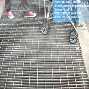 Hot DIP Galvanized Sump Grating Cover pictures & photos
