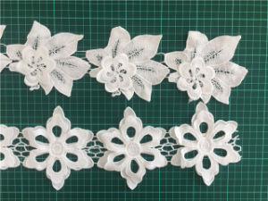Good Quality Garment Accessories Milk Yarm Embroidery 3D Flower Lace Trimming pictures & photos