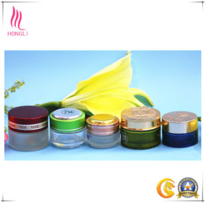 Cosmetic Packing Facial Cream Colored Glass Bottle with Screw Lid pictures & photos