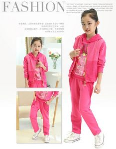 2015 Fashion Autumn Girl Kid′s Sport Suit of 3 Pieces for Wholesale pictures & photos