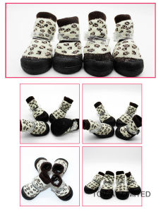 Knitting Pet Products Home Boot Wear Dog Socks Shoes pictures & photos