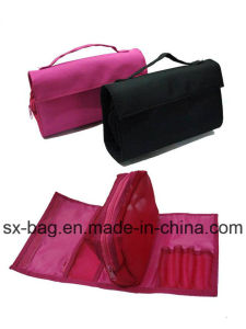 Demountable Cosmetic Bag with Handle