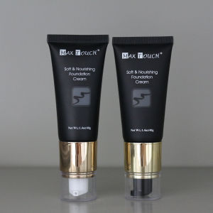 Black Cosmetic Plastic Tube for Cream with Pump Cap pictures & photos