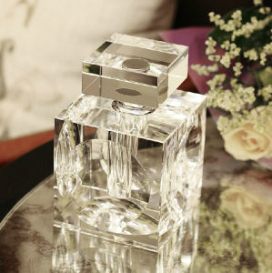 Simple European Style Crystal Perfume Bottles (KS28367) pictures & photos