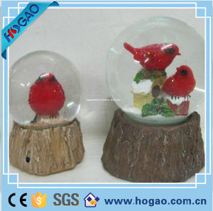 Polyresin Snow Globe Voice-Activated Bird Figurine pictures & photos