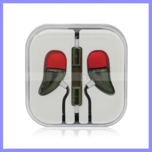 Bass Ear Style Hearphone Earphone Earpod with Volume Control for Samsung iPhone Mobile Phone Headst with Mic pictures & photos