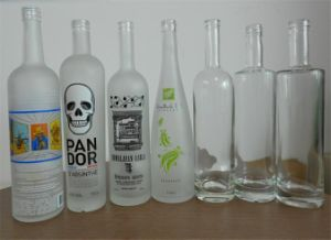500ml Alcohol Glass Bottle with Cork pictures & photos