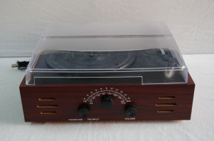 Wooden Phonograph Ht-1978MP3 pictures & photos