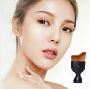Curved Contouring Makeup Foundation Brush Single Face Foundation Makeup Brush pictures & photos