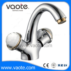 Double Handle Brass Body Basin Mixer (VT60703) pictures & photos