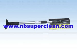 Hot Selling Telescopic Snow Brush (CN2256) pictures & photos