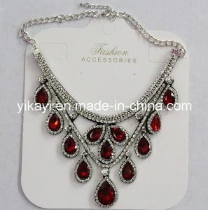 Lady Fashion Waterdrop Glass Crystal Pendant Necklace Costume Jewelry (JE0214) pictures & photos