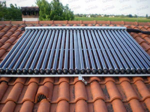 Rooftop Heat Pipe Solar Collector System with Solar Keymark (SCM30-58/1800-02) pictures & photos