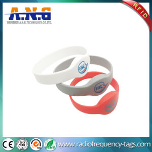 Waterproof Flexible Smart RFID Rewearable Silicone Wristbands pictures & photos