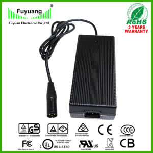29.4V 7A 7 Cells Li-ion Battery Charger for Car Battery pictures & photos