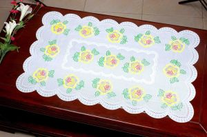 PVC Pressed and Cutout Placemat (JFCD-025) pictures & photos