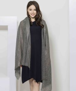 2017 100% Cashmere Jacquard Women Scarf pictures & photos