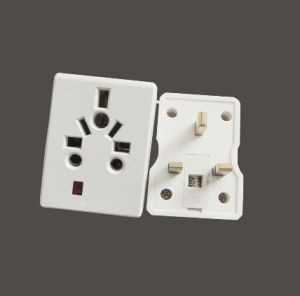 UK 13A Travel Adaptor with Universal Socket pictures & photos
