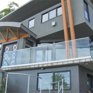 Exterior Frameless Glass Deck Railing with Aluminum U Channel Base Shoe pictures & photos