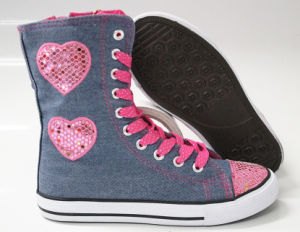 Fashion and Beauty Canvas Shoes for Girls (SNC-240046) pictures & photos