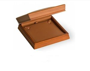 Wooden Necklace Box 293041