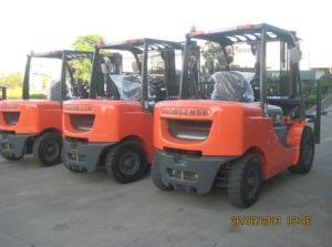 4.0ton (Big) Diesel Forklift (FD40) pictures & photos