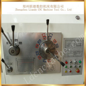Cw61200 Long Bed Type Conventional Horizontal Light Duty Lathe Machine pictures & photos