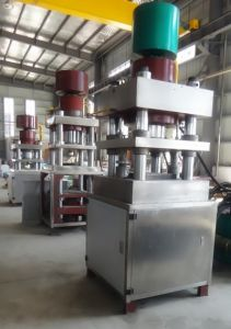 Automatic Disinfection Hydraulic Tablet Press Machine pictures & photos