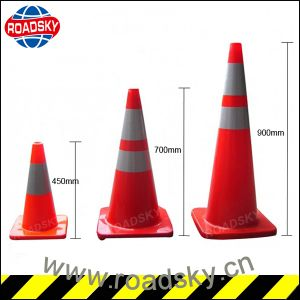 High Quality Light up Reflective PVC Traffic Cones for Sale pictures & photos