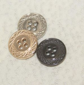 China Fashion Four Holes Button Garment Accessories pictures & photos
