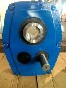 Smr Gear Reducer Smr Shaft Mounted Reducer Metric Size Made in Cast Iron pictures & photos