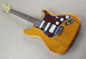 Hanhai Music/Original Wood Color St Style Electric Guitar with Alder Body pictures & photos