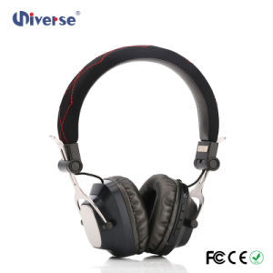 Game Player Headphone with TF Card Slot Bluetooth Headset Xhh-826 Cheap Headphones