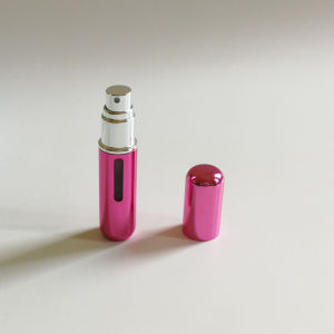 Refillable Mini Perfume Spray Bottle Made in China (PPC-AT-1704) pictures & photos