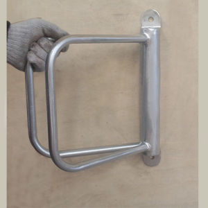 Metal Wall Mount Bike Rack Cr11 pictures & photos