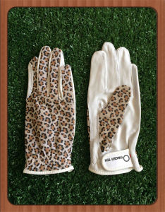 Solar Tan Ring Ladies Golf Glove with Camo Pattern