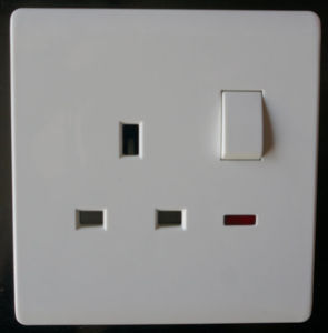 13A Switched Socket 13A with Neon