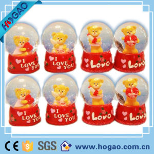 Resin Love Snow Globe Lovely Bear with Heart Inside pictures & photos