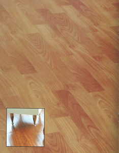 AC4 E1 HDF Woodgrain HDF Laminate Floor pictures & photos
