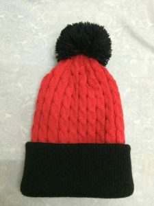 Customized Logo Toque Beanie Hat with POM POM pictures & photos