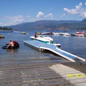 Floating Jetty Fiberglass Swim Dock pictures & photos