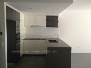 European Style MDF Kitchen Cabinet System Customzed Design pictures & photos